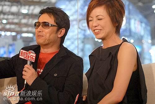 图文:《岁月风云》主演聊天--邓萃雯笑的闭眼