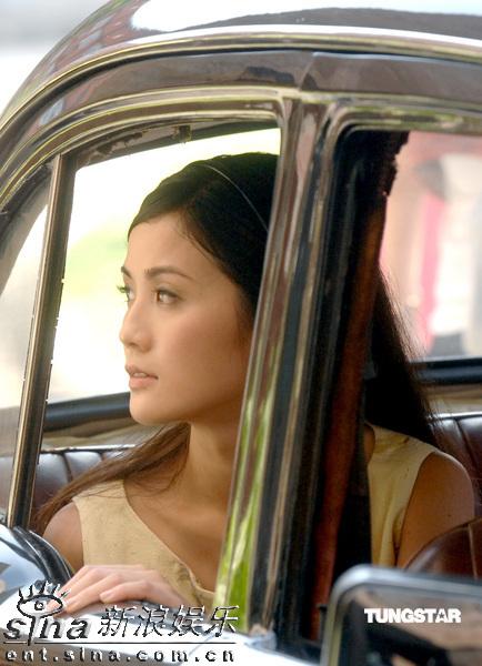 图文:《森之爱情》拍外景--蔡卓妍美丽侧面