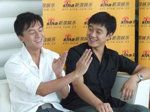 图文:《我们遥远的青春》--朱雨辰手势搞笑