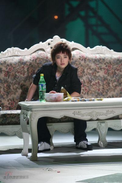 图文:型秀5进4--可爱俏皮的刘欣