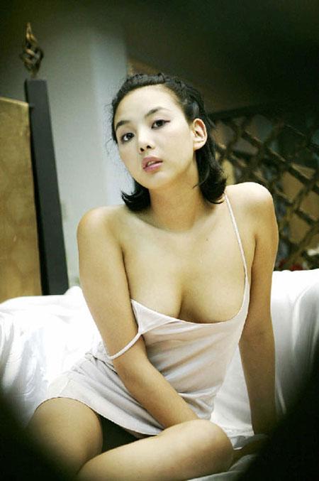 韩国美女模特金惠敏公开了全裸写真集