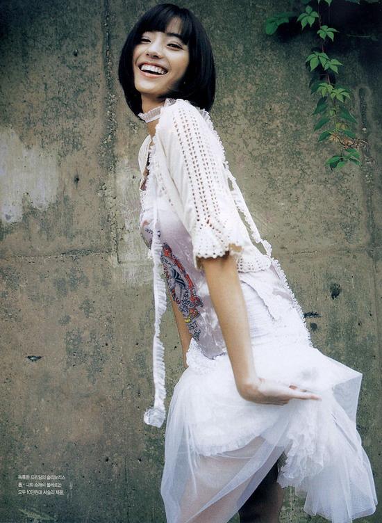干幼女什么感觉_图文:性感公主韩彩英的纯美魅力--阳光女孩