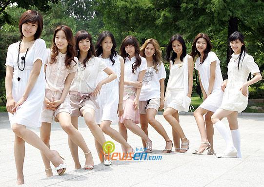 图文:韩国组合三代变迁之少女时代-列队造型