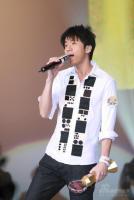 组图:光良获新城国语力男歌手等共五项大奖
