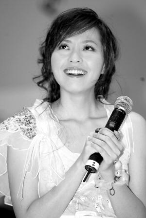 张靓颖新专辑《Update》签唱会教歌迷跳舞(图)