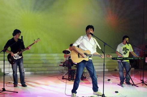 中国金唱片奖新歌会开动第九频道乐队打头阵