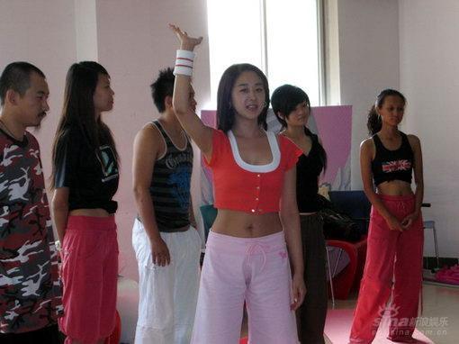 韩国美女出任瑜伽教练