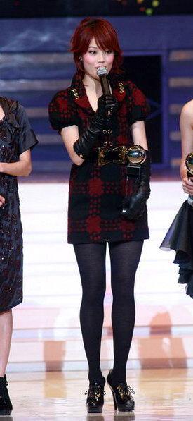 快讯:陶�慈葑娑�获颁最佳男女歌手