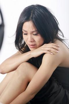 蔡健雅新歌MV撞墙十多次展现真实失恋之痛(图)