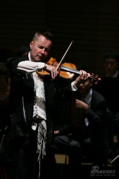 奈杰尔-肯尼迪携手中国爱乐亮相国际音乐节(图)