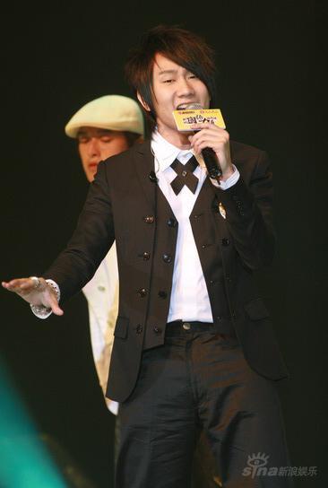 图文:林俊杰《杀手》获颁新城国语力歌曲