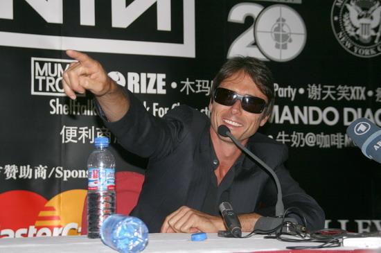 图文:北京流行音乐节发布会--回答记者提问