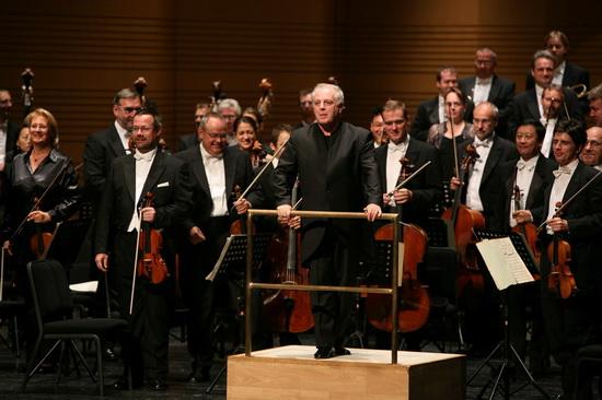 图文:北京国际音乐节开幕--指挥家巴伦博依姆