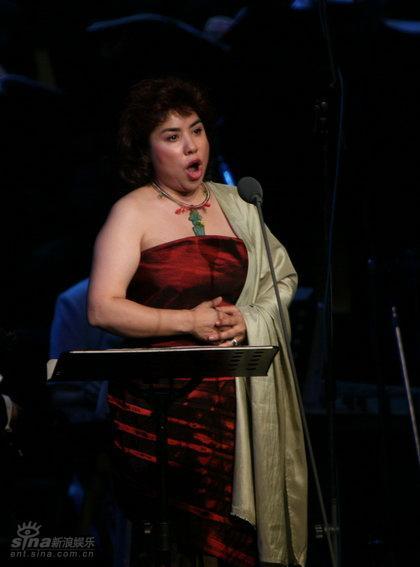 图文:《宋人弦歌》--女高音:迪里拜尔