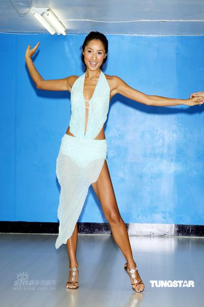 性感美女蒋怡 将与信共舞一段贴身性感的拉丁舞蹈