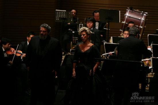 纪念玛利亚-卡拉斯逝世30周年音乐会举行(组图)