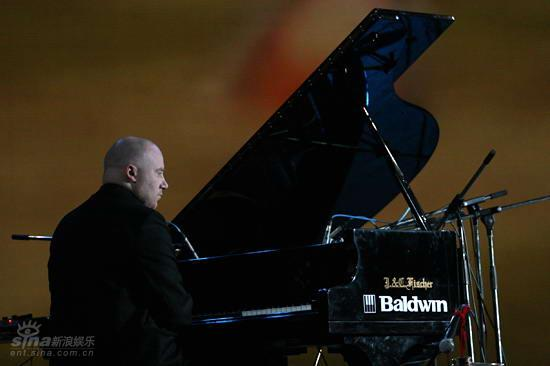图文:北欧音乐节开幕式--钢琴弹奏