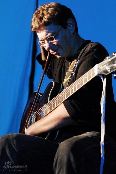 图文:北欧音乐节第二晚--HilmarJensson
