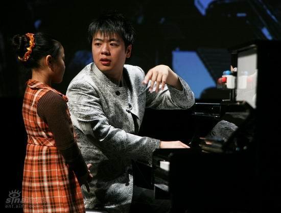 图文:国际音乐节郎朗公开课--郎朗耐心讲解