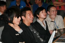 BOBO组合EP《光荣》上市羽泉传授成功秘籍(图)