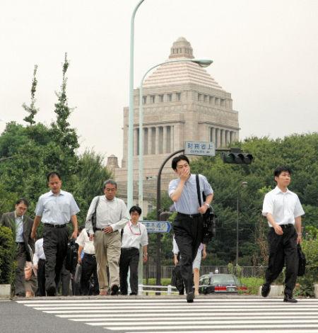 日本政府官员工资不高也不贪污