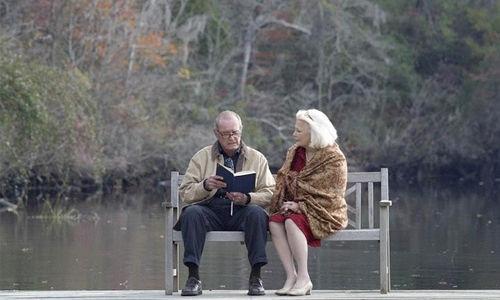 何必过度解读爱情