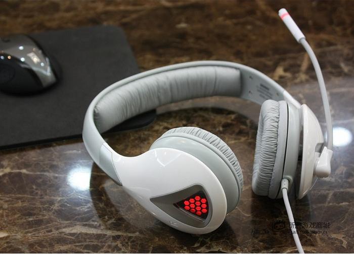 硕美科 G945(炫灯版) 零售型多声道游戏耳机