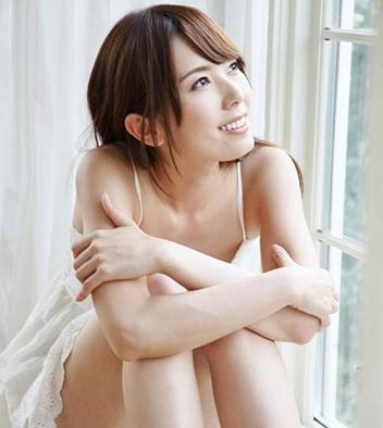 恋夜波多野结衣_波多野结衣胸部抢镜