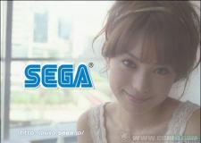 新浪游戏_性感女星拿Wii手柄为《魔法气泡》拍广告