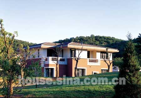 西山美庐 社区实景 绿色环绕的别墅全景