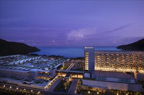 图为 半山半岛洲际酒店全景
