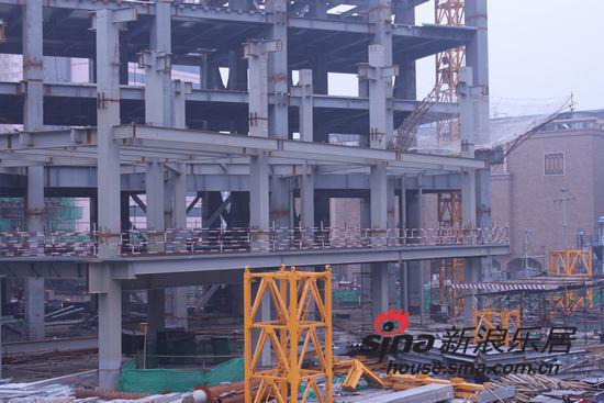 勒泰中心全钢结构框架