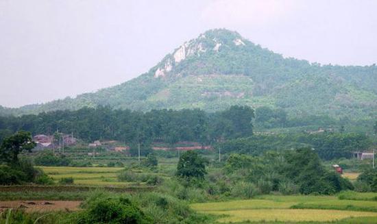 加乐潭,雨水岭,卧龙山,洪斗坡等10余个旅游度假风景区.