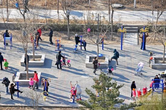 场健身_作品名称:小区健身场