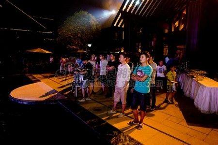 池、灯光和曼妙音乐,编织最流光溢彩的仲夏夜之梦-炫丽酷跑汇 璀