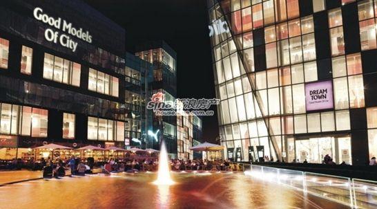 预计2012年年底与东京街区一起交付,此外,万科城业主的孩子还可以进入