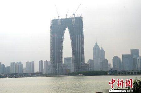 沈阳市建筑设计院副院长赵宇在接受记者采访时表示,每个人对建筑