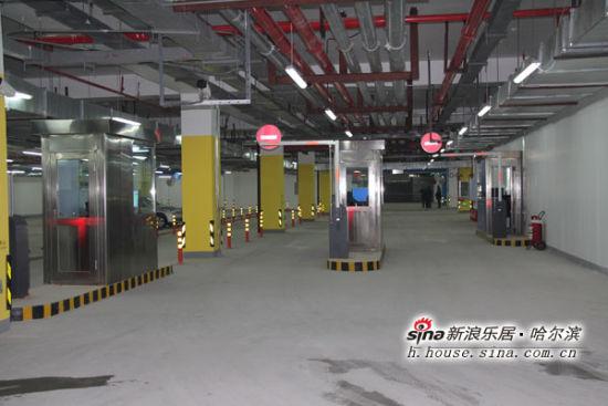 哈尔滨西客站停车场免费停车三天