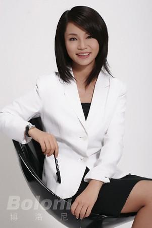 北京电视台美女主播黄婕