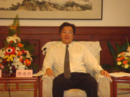 请问各位朋友南京哪家康复医院好?是关于脑出血病人半边身体不能动的