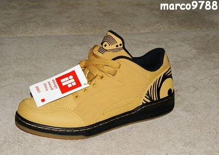 万斯鞋底钢印图 万斯正品鞋底钢印 万斯鞋底钢印字母图片
