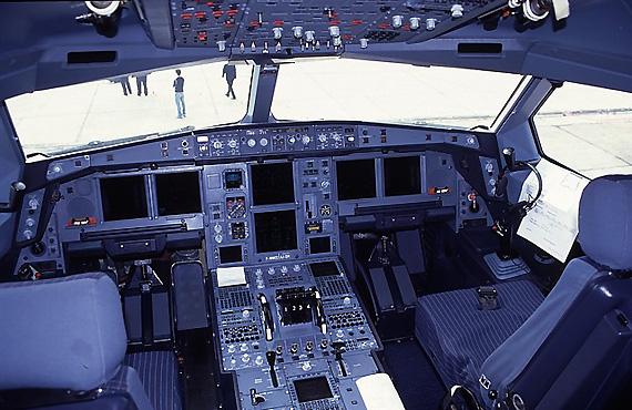 海航空客330选座位 空客a380客机10月将执飞北京至广州航线 写给女
