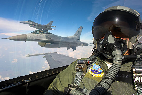 美军战机将首次从欧洲赴太平洋执行任务图