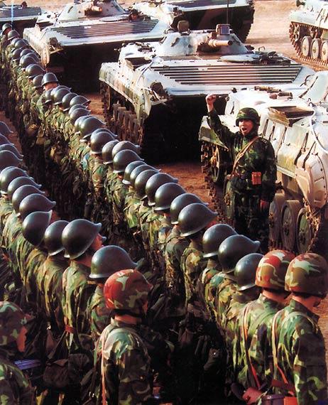 """中国陆军王牌部队""""铁军""""转型后扬威中俄军演"""