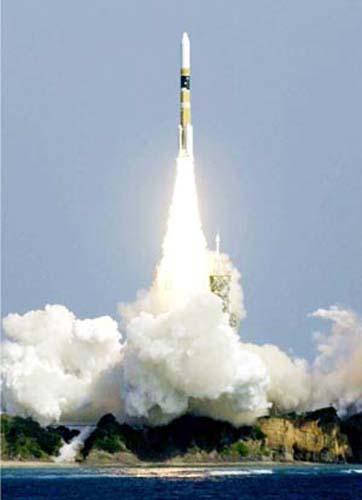 日本隐性军费高航天间谍卫星支出算民用(图)