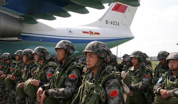 中国有外军模拟部队_中国军队纪律严明有集体观念让外军印象深刻_新浪军事_新浪网