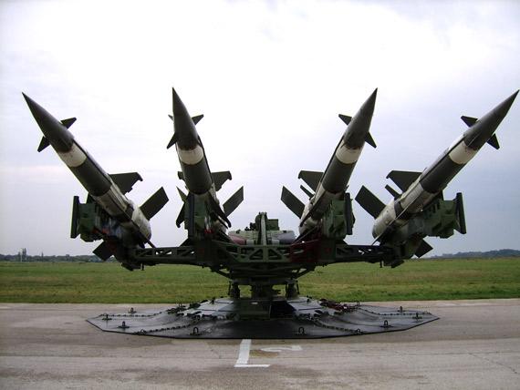 俄公司披露改型S-125-2TM防空导弹详细资料