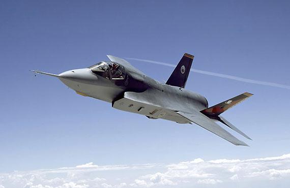 美空军部长借口中国军力增强欲购两千余架F35