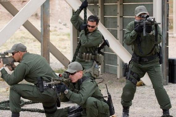 美国黑水保安公司雇员火力打击民用车辆(图)