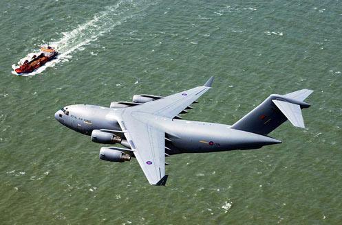 波音开始为英国总装第5架C-17战略运输机(图)